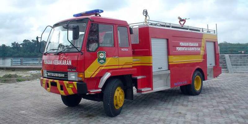 Mobil Pemadam Kebakaran Multi Agent Fire Tender Agen Pemadam Api